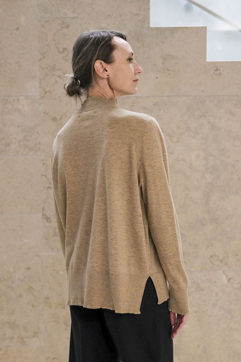hope osaka sweater beige